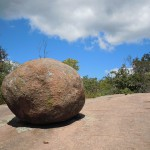 Чи може Бог створити камінь, який Він не зможе підняти